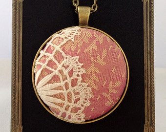 Victorian Necklace / Lace Necklace / Pink Necklace / Romantic Necklace / Handmade Necklace / Bridal Necklace / Bridesmaid Necklace