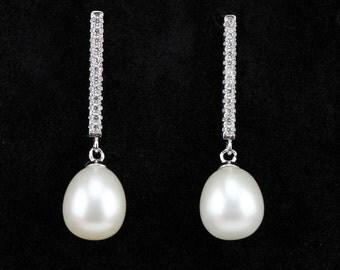 Bridesmaid pearl earrings sterling silver, genuine freshwater pearl drop earrings,pearl and crystal earrings,tear drop pearl earings