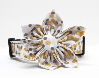 Dog Collar Flower - Gold Dust in Natural