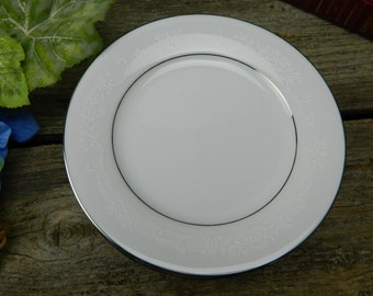 Set of 7 Vintage Noritake Whitehall Bread and Butter Plates - 6115