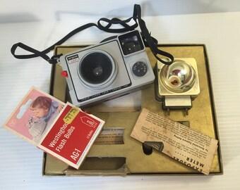 VINTAGE ARGUS CAMERA Kit,Argus 127 vintage camera,Argus camera,vintage plastic camera,127 film camera,vintage collectible camera,movie prop