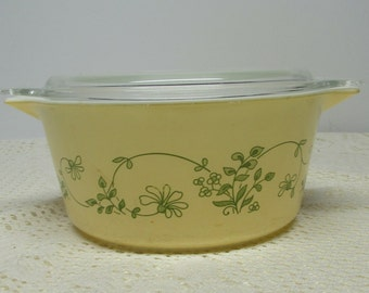 Pyrex Shenandoah Round Casserole with Lid ~ Tab Handle Casserole ~ Yellow Pyrex Casserole ~ 474-B