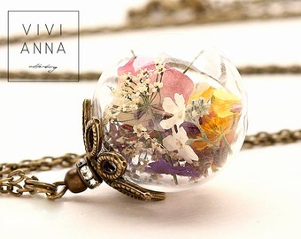 Glass bead necklace with real flowers - K243