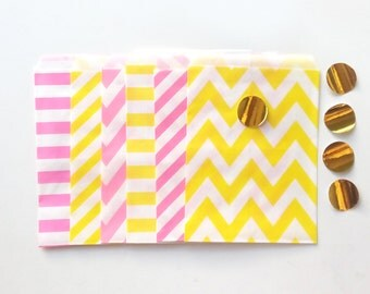24 Pink Lemonade colors Paper Bags Party Goodies Sweets in different designs with gold stickers