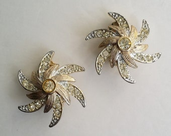 Sarah Coventry Gold Tone Clear Rhinestone EVENING COMET Pinwheel Clip On Earrings