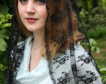Vintage Inspired French Chapel Veil Mantilla Floral Lace Medium Length Rectangle