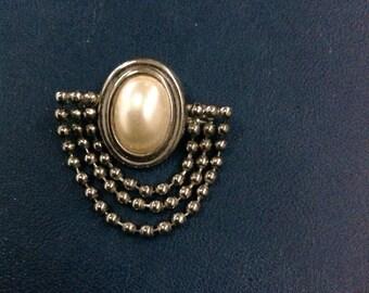 Genuine Vintage Faux Pearl Brooch 1950s