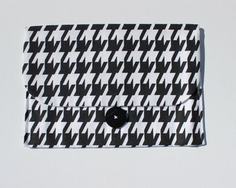 Diaper and Wipes Clutch | Black & White Houndstooth
