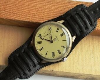 USSR Prestigios White Wrist Watch MOLNIJA Vintage Soviet nж