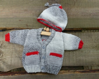 Baby boys cardigan with beanie, shipping costs incl.