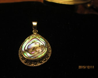 Gorgeous 5.58ctw Genuine Abalone Shell & Marcasite 925 Sterling Silver Pendant Weight 4.4 g, Size 35x19mm