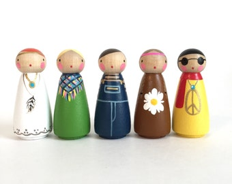 "Flower children peg dolls 2"" // 5 wooden peg dolls // set of 5 hippie peg dolls with felt sleeping bag- wooden toys"