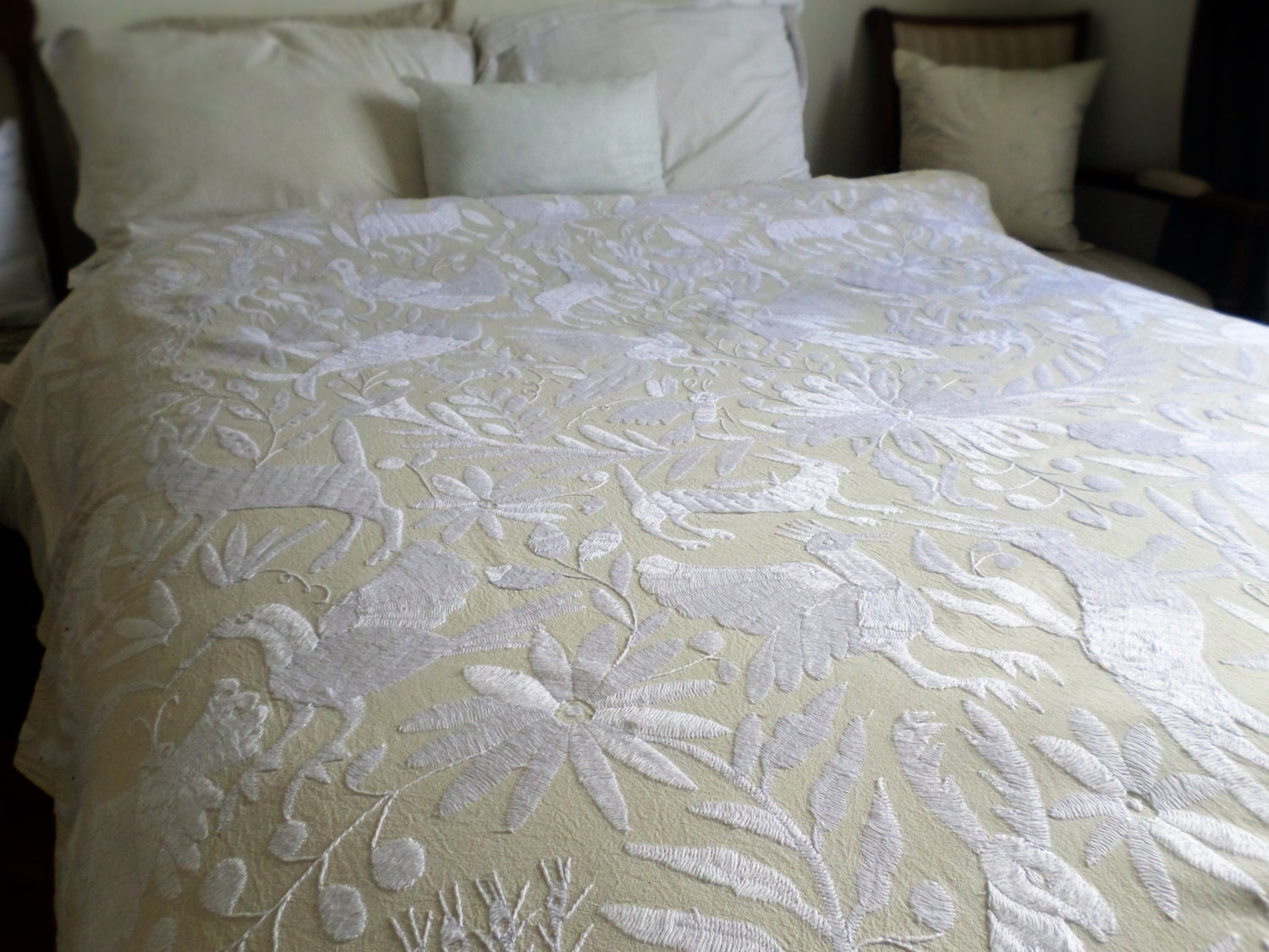 Ready to ship white otomi quilt otomi embroidery mexican Mexican embroidered bedding