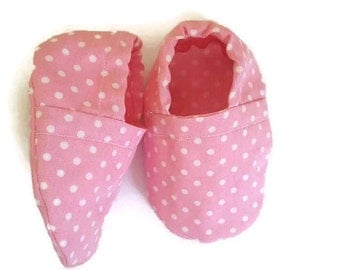 Baby Shoes - Baby Booties - Crib Shoes - Pram Shoes - Baby Girl Booties -Polka Dot - Soft Sole - Slip on - Baby Shower Gift -Footwear