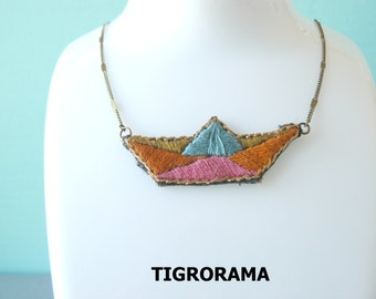 collar embroidered hand small boat origami