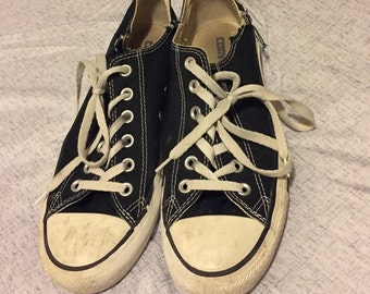 Messy converse shoes womens size 7