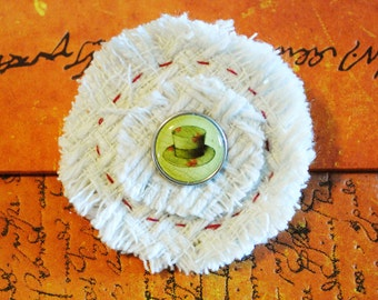 Woollen weave top hat brooch