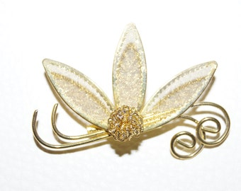 50's 60's Brooch Bloom Gold