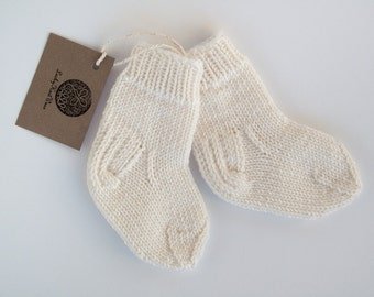 MADE TO ORDER/ Hand knitted baby socks