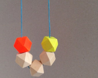 Geometric necklace perfect for the summer