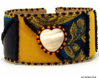 """Band Bracelet """"Angèle"""" damask fabric, pearl, faux leather, OOAK"""