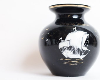 vintage vase souvenir Baltic sea black 50s sailboat Kölpingsee Usedom Germany