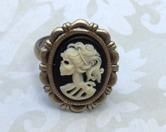 Adjustable Ivory on Black She Skull Ring