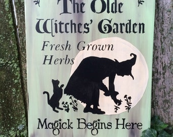 Olde Witches' Garden Sign (Vintage Green)