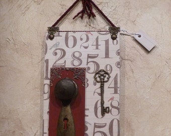 Shabby Chic vintage doorknob wall hanging with complimentary gift wrap