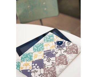 Jaunty Button Down iPad Case Sewing Pattern Download 803379