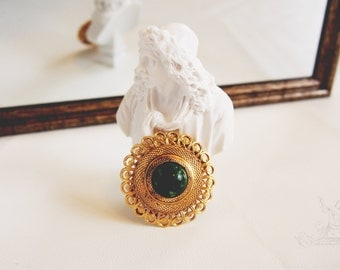 Vintage Antique Gold round engrave emerald Scarf Ring