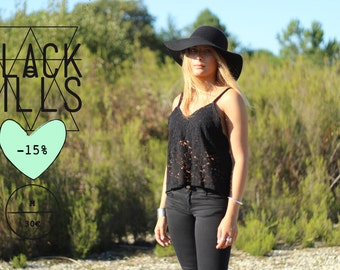 Cropped tank top in black lace
