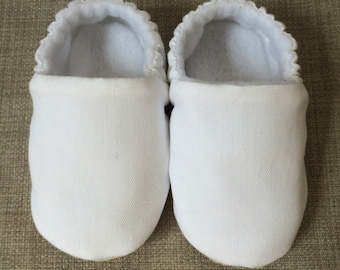 Soft sole pure white baby shoes, crib shoes, slip on shoe. New Baby gift. Baby girls cotton slip on shoe, cloth shoe.