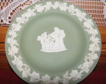Wedgwood in Green Color - plate, Vintage