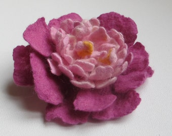 Hand Felted Peony Brooch, Felted Pink Flower Pin, White Pink Peony Broch, Small Gift