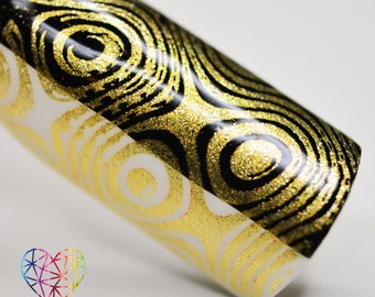 BLP04 - B. a Golden Queen (Stamping Nail Polish) - for stamping plates (B. Loves Plates)