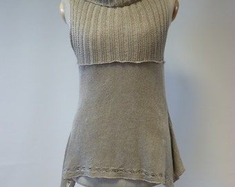 Beautiful delicate natural linen top, S/M size.