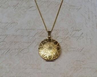 Vintage Gold Locket Round Gold Plated