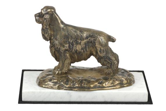 cocker spaniel anglais statue chien de base en blanc de. Black Bedroom Furniture Sets. Home Design Ideas