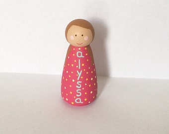 Personalized name peg doll -girl peg - peg people - custom doll - dollhouse toy - pretend play - wooden dollhouse - wooden peg doll
