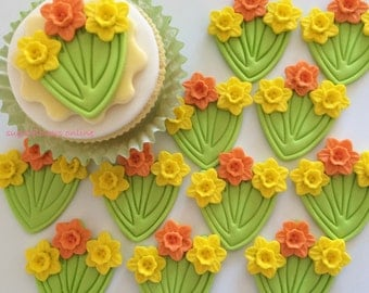 BUNCHES DAFFODILS handmade edible sugar paste cupcake decorations toppers