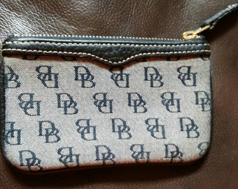 Excellent Vintage Dooney and Bourke Black  Canvas Small Wallet