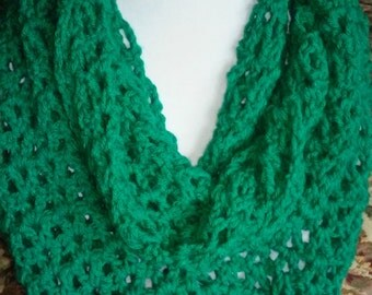 Emerald green infinity scarf perfect for Christmas and St. Patrick's Day! Womens green lacey infinity scarf.  Warm infinity scarf.