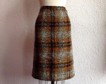 1960s Plaid wool pencil skirt