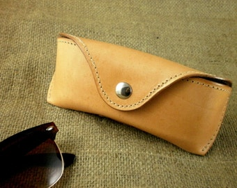 Glasses case for Wayfarers Clubmasters Sunglasses case Veg tan leather Handcrafted by Celyfos®