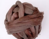 """Cormo Wool Top.  """"Evan"""" Hand Dyed Australian Wool Roving - Spinning and Felting Fiber. 480g (16.9oz) Hand Dyed - Subtle Color."""