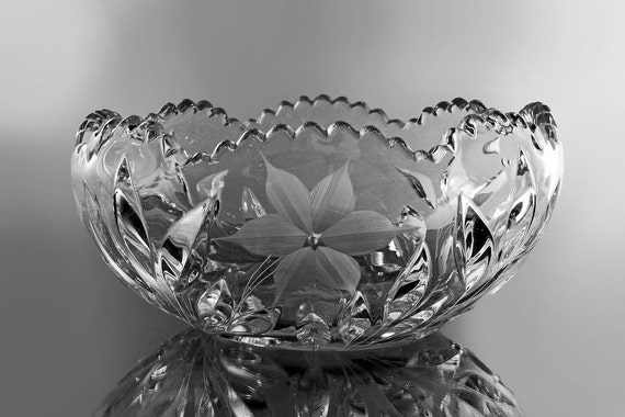 EAPG Crystal Bowl, Daisy and Vine Pattern, Antique, Sawtooth Edge, Clear Glass, Pressed Glass
