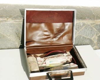 Vintage travel car medical kit, medical bag from 1970s, leather doctor bag, First aid kit, First aid suitcase on the road for collectors