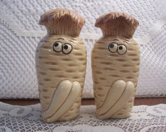 Carrot Salt & Pepper Shakers, Japan