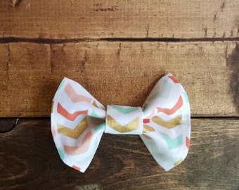 Multicolor chevron hair bow.